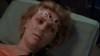 Sam přežije útok Ashraka, ale Jolinar umírá