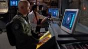 V SGC automaticky deaktivovali iris, pokud přišlo vysílání ze stanice Midway