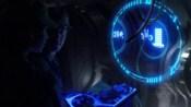 Konzole s holografickou obrazovkou útočné lodi modrých mimozemšťanů