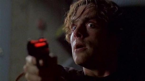 Michael Shanks v epizodě Závislost