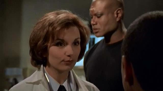 Dr. Fraiserová pomáhá Ry'acovi