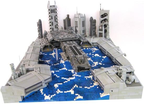 LEGO diorama přistání pozemské vesmírné lodi Daedalus na Atlantidě